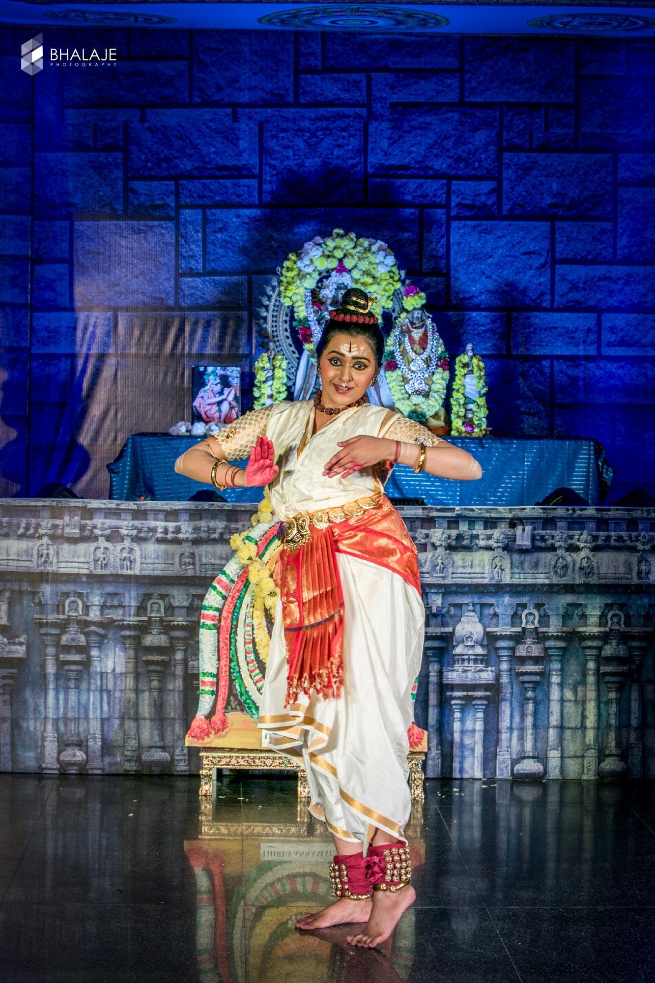 Bharatanatyam Arangetram Photography, Bharatanatyam Poses for Photoshoot, Action Dance Photography, Bharatanatyam Dance Photos,Action dance photography